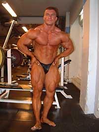 Jerry Ossi. Kuva: K.P. Ourama / KP Fitness Productions Oy © 2000.